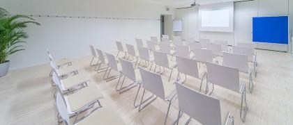 Seminarraum 1 - Kinobestuhlung