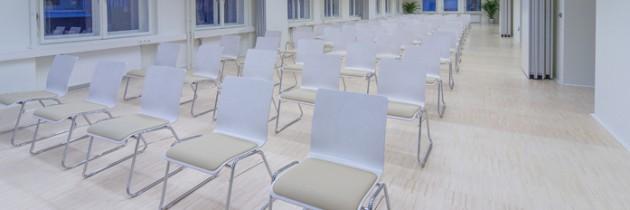 Alle 3 Seminarräume offen mit Kinobestuhlung